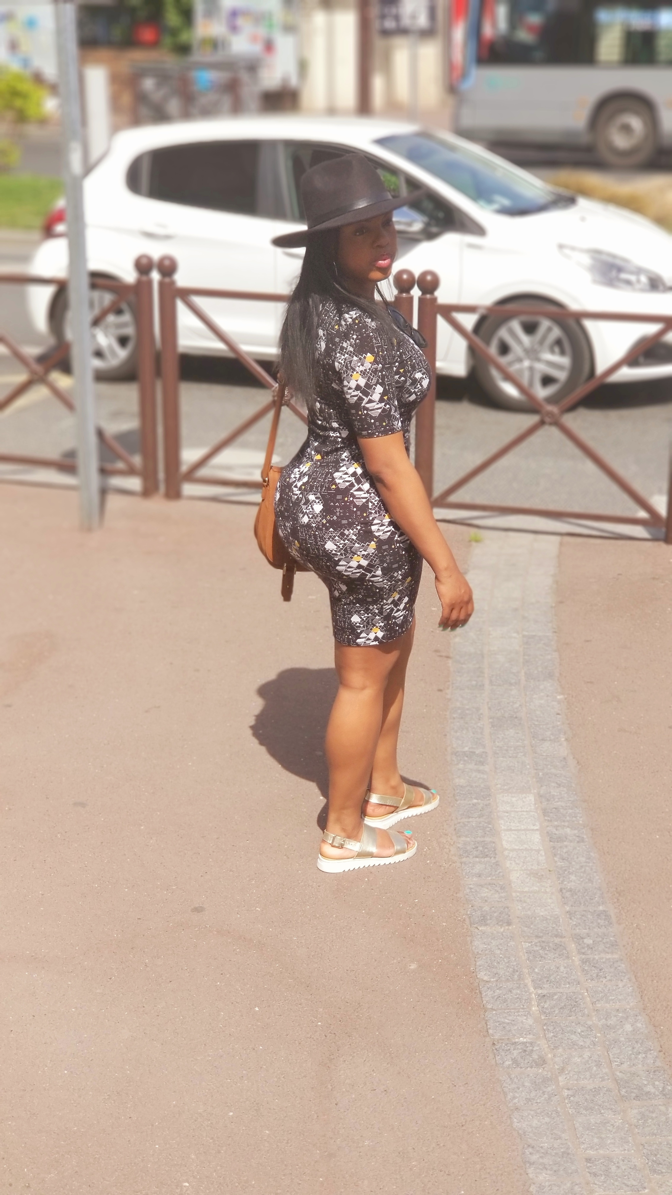 black woman luxury travel in paris